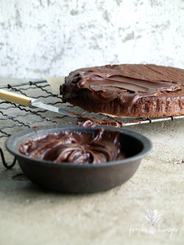 flourless chocolate fudge blackberry cake