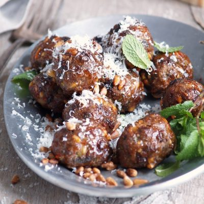 beef pine nut raisin meatballs