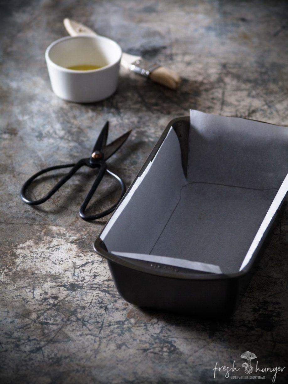lining a cake pan 101