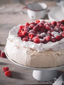 raspberry brown sugar pavlova