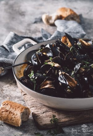 mussels in sherry & basil cream