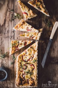 goat cheese, roasted pepper & thyme quiche
