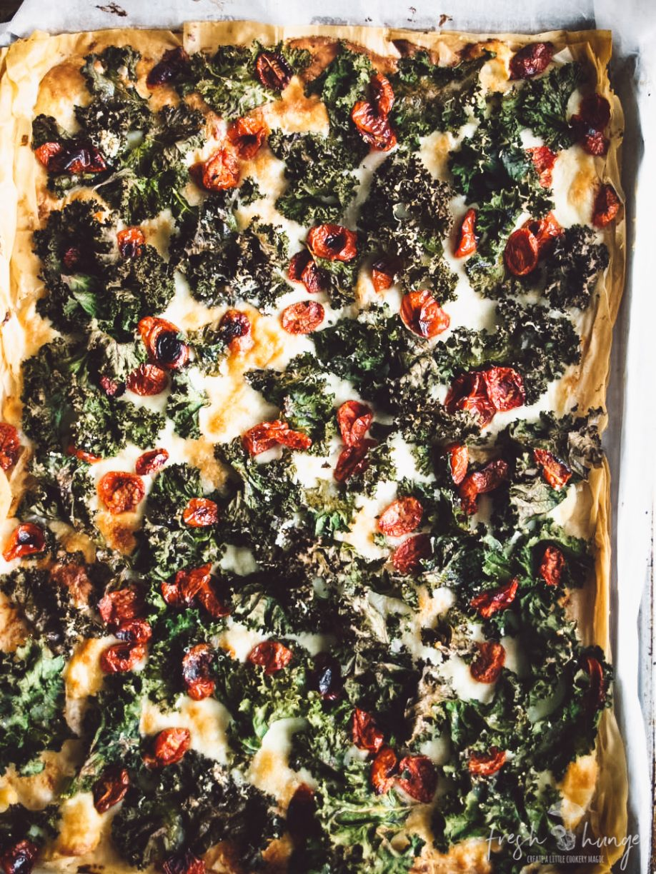 ROASTED TOMATO, GARLICY KALE & 3-CHEESE PIZZA