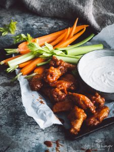 how to make perfectly crisp wings (& blue cheese sauce)