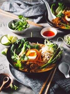 RED CURRY PORK NOODLES