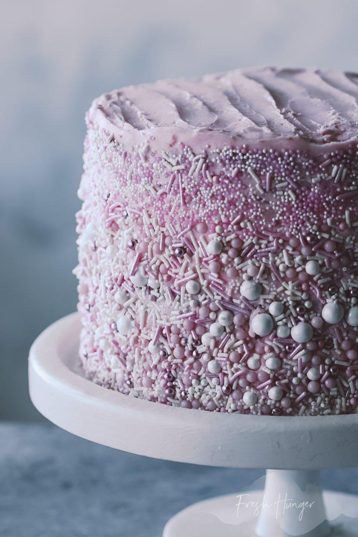 LAYERED VANILLA CAKE WITH BUTTERCREAM ICING