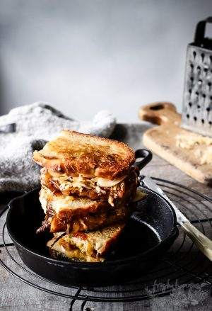 CIDER ONION AND APPLE GRILLED CHEESE