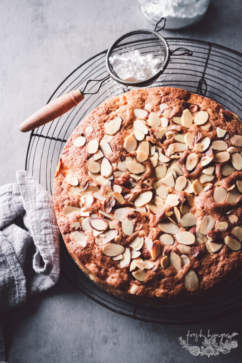FRENCH APPLE CAKE WTH ALMONDS