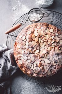 FRENCH APPLE CAKE WITH ALMONDS
